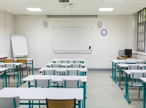 Salle de cours / examens équipée